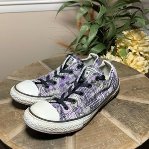 Converse all star sneakers girls size 4